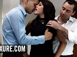 Surprise threesome with the addition of DP for Adriana Chechik